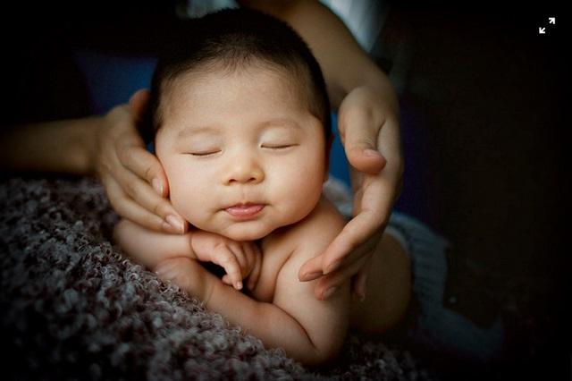 cara melatih bayi merangkak, cara melatih bayi duduk, bayi merangkak, bayi duduk, bayi