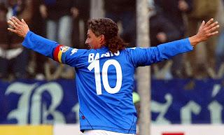 roberto baggio, roberto baggio kimdir, baggio, baccio, italyan golcü baggio, dünya futbol yıldızları baggio, dünya kupası gol kralları, roberto baggio hayatı, baggio futbol kariyeri