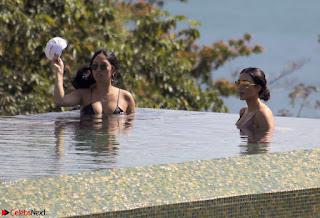 Kim Kardarshian in Bikini Exposing her Beautiful Wet Ass huge Boobs January 2017 Leaked Private Pics