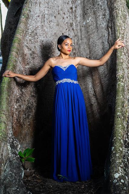 portrait modèle guadeloupe robe bleue baie mahault