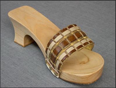 Wooden Shoes Bakya