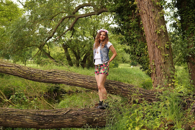 Country fashion blogger UK Norfolk Countryside style