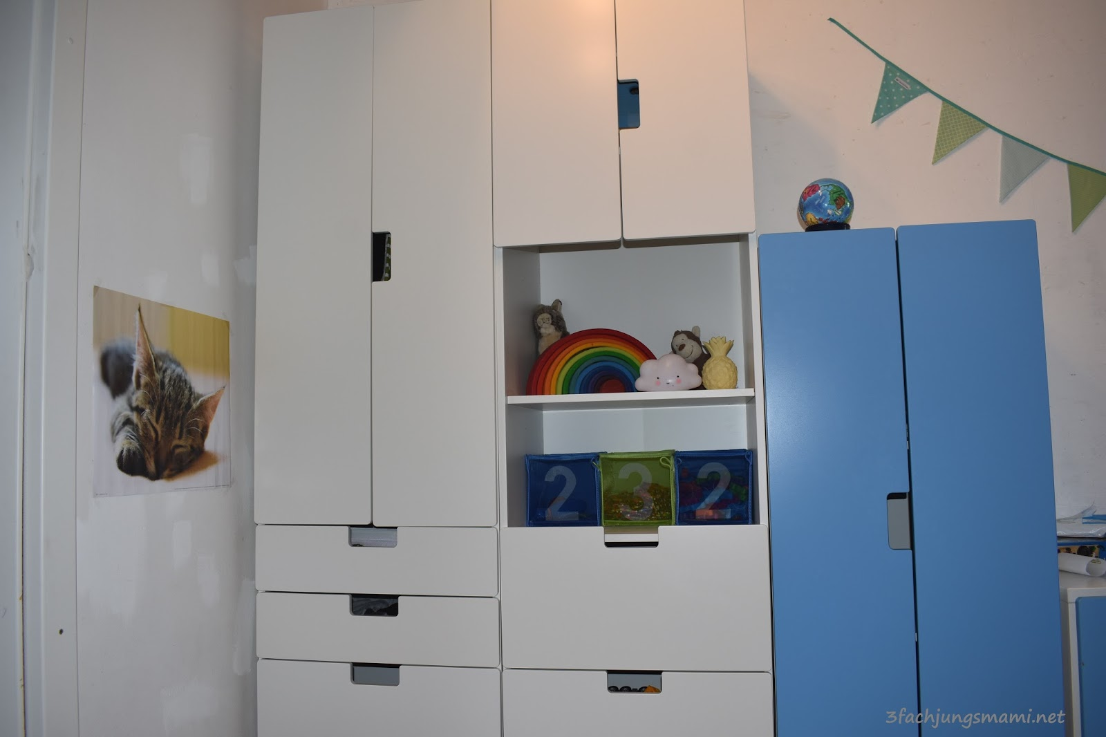 Kinderzimmer sebastian roomtour 3 fach jungsmami for Kinderzimmer ikea