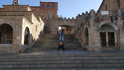 Handstand in Cáceres