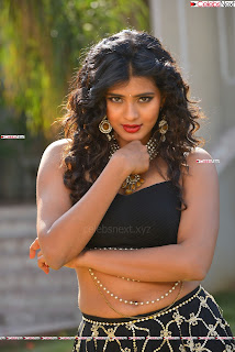 Hebah Patel in Spicy Black Choli and Ghagra HD Pics  003.jpg