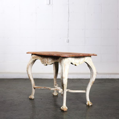 ロココ テーブル