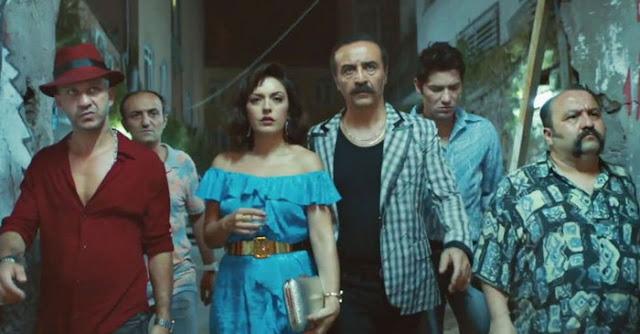 Organize İşler: Sazan Sarmalı filmi, sinema sektöründe yepyeni bir tartışmanın sembolü haline geldi.