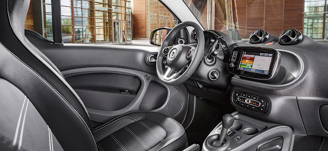 Interior view of 2017 smart fortwo