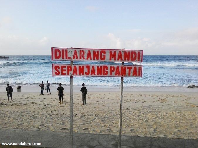 bahaya pantai klayar pacitan dilarang mandi