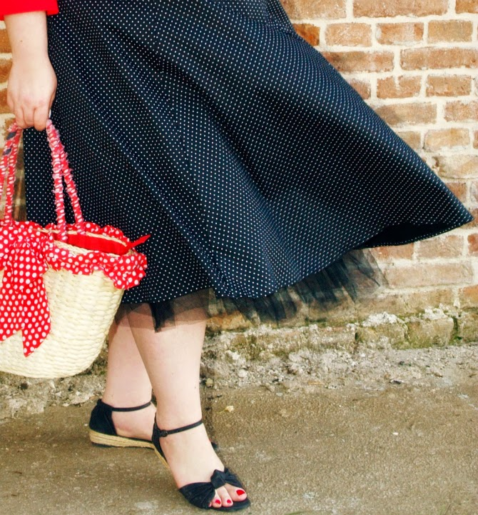 254677a93fa Plus Size Outfit  just like a pinup for a picnic in the country ...