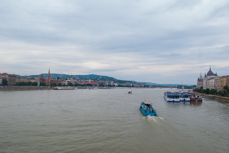 image of the View of the Danube River from the chain bridge