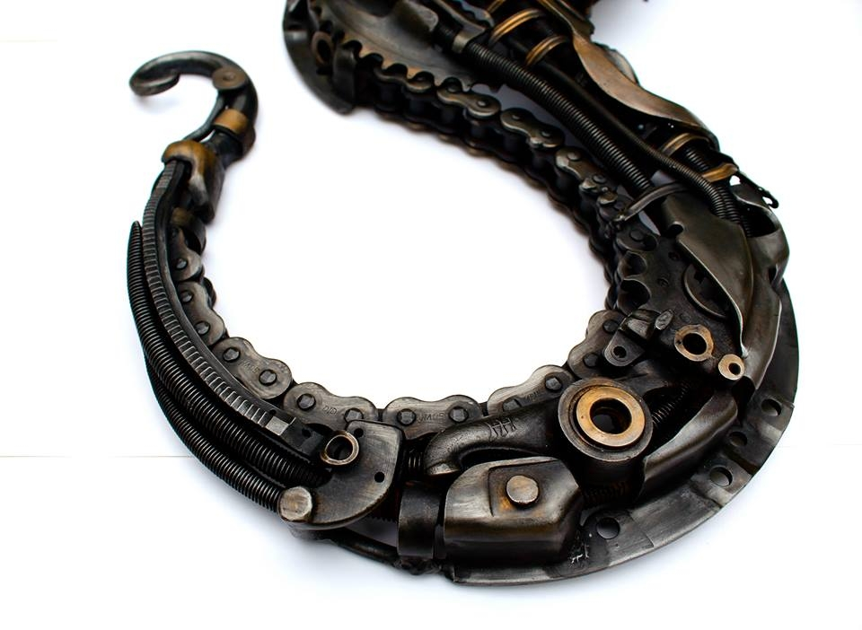10-Steampunk-Seahorse-Alan-Williams-Animals-Sculptured-with-Recycled-and-Upcycled-Metal-www-designstack-co