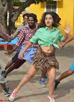 Dimple Chopde in Tamil movie Jeyikkira Kuthira 002.jpg