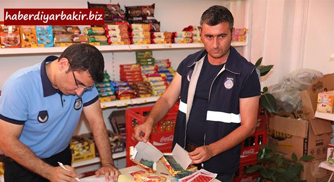 Diyarbakır Büyükşehir Belediyesi zabıta ekiplerinden patlayıcı madde denetimi