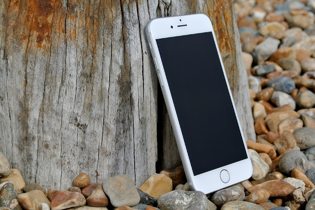L'éloge funèbre du téléphone portable - humeurs