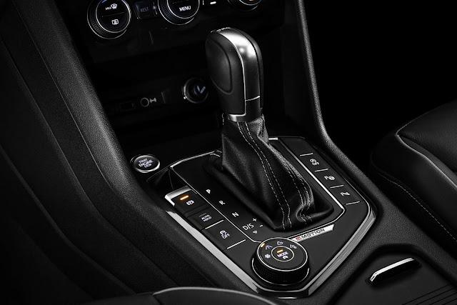 VW Tiguan AllSpace 2019 R-Line - transmissão automática