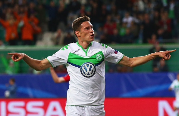 Julian Draxler set to stay at Wolfsburg