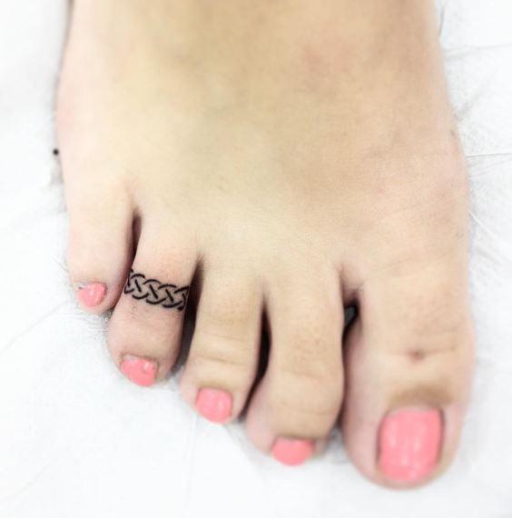 cute toe tattoos ideas