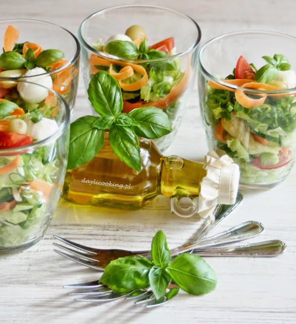 szybkie dania imprezowe, błyskawiczne sałatki, najlepsze sałatki na majówkę, daylicooking, Małgorzata Kijowska