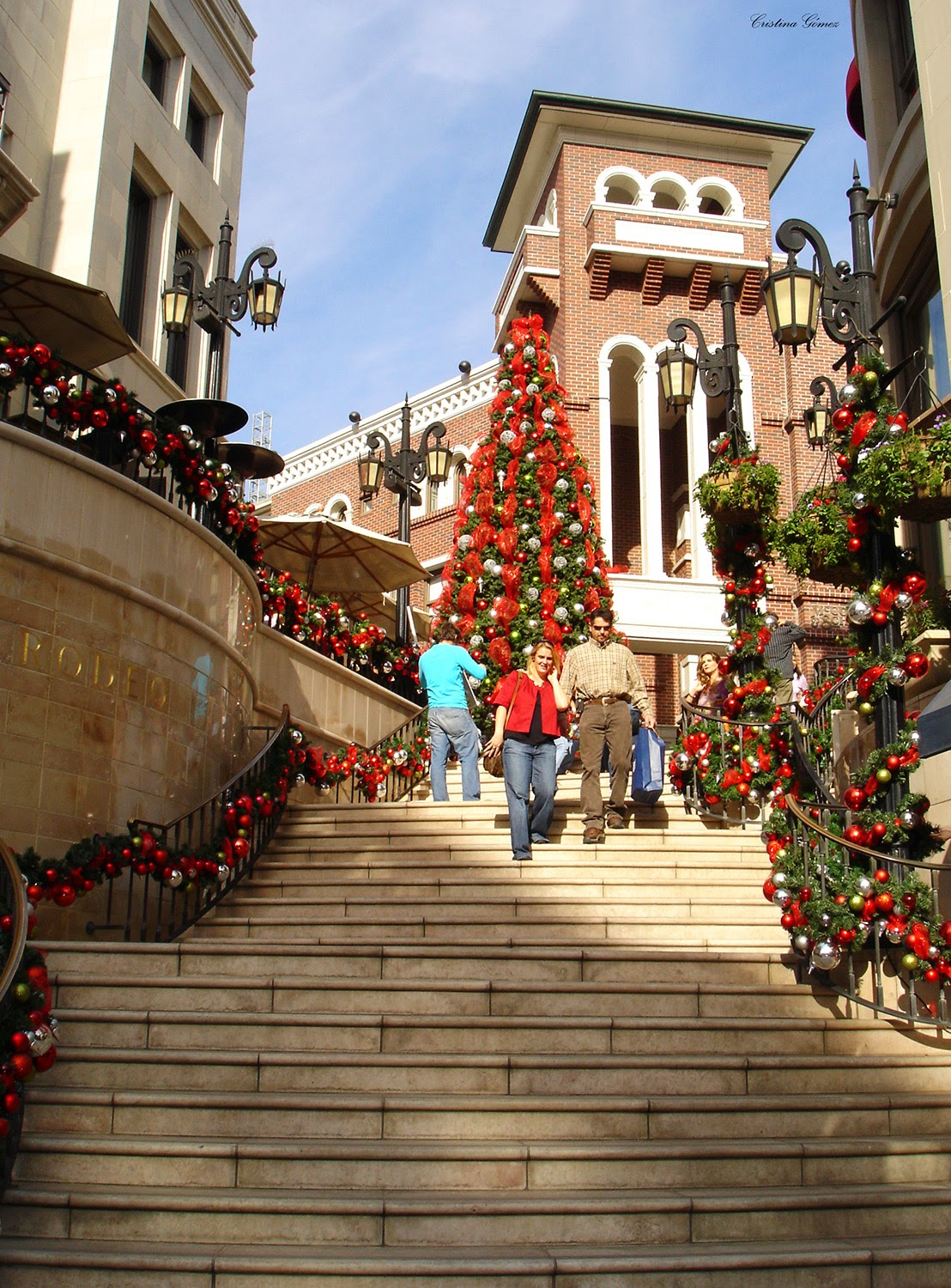 rodeo drive L.A. California Christmas travel blogger