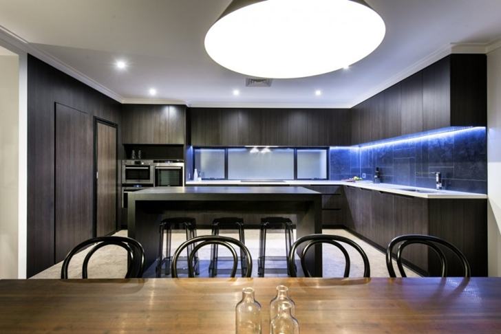 Black kitchen in The Warehaus by Residential Attitudes