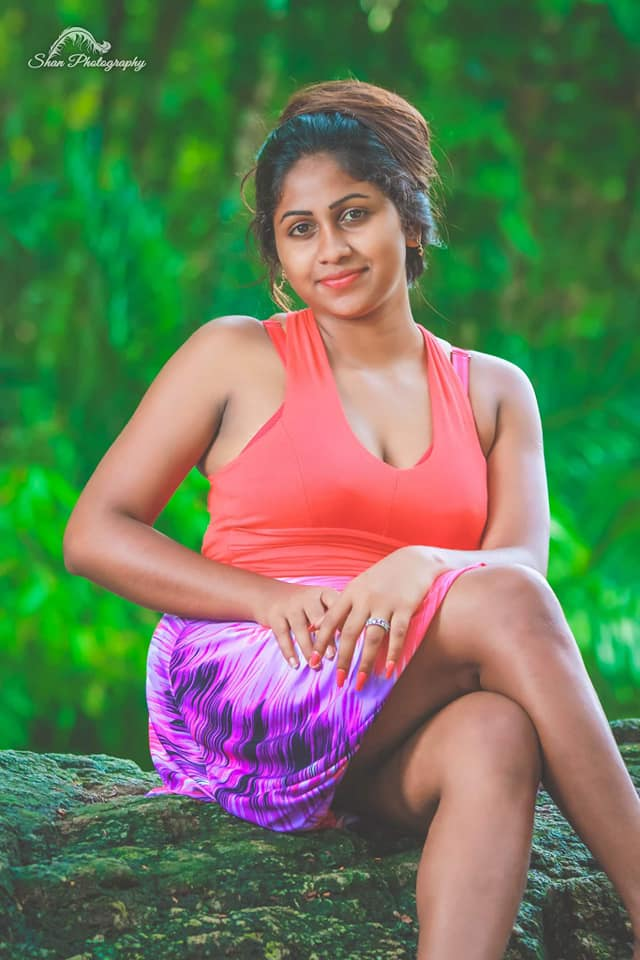Srilankan sexy girl hot photos