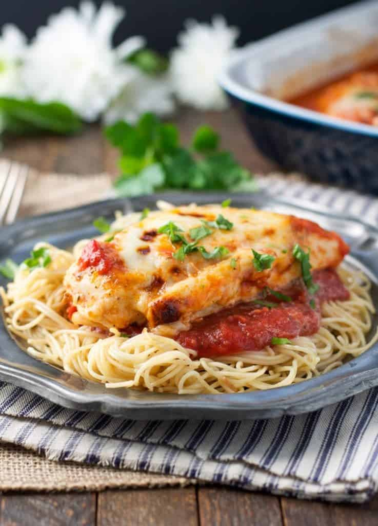 DUMP-AND-BAKE HEALTHY CHICKEN PARMESAN #dumb #bake #healthychicken #healthyrecipes #healthyfood #chicken #chickenrecipes #parmesan Desserts, Healthy Food, Easy Recipes, Dinner, Lauch, Delicious, Easy, Holidays Recipe, Special Diet, World Cuisine, Cake, Grill, Appetizers, Healthy Recipes, Drinks, Cooking Method, Italian Recipes, Meat, Vegan Recipes, Cookies, Pasta Recipes, Fruit, Salad, Soup Appetizers, Non Alcoholic Drinks, Meal Planning, Vegetables, Soup, Pastry, Chocolate, Dairy, Alcoholic Drinks, Bulgur Salad, Baking, Snacks, Beef Recipes, Meat Appetizers, Mexican Recipes, Bread, Asian Recipes, Seafood Appetizers, Muffins, Breakfast And Brunch, Condiments, Cupcakes, Cheese, Chicken Recipes, Pie, Coffee, No Bake Desserts, Healthy Snacks, Seafood, Grain, Lunches Dinners, Mexican, Quick Bread, Liquor