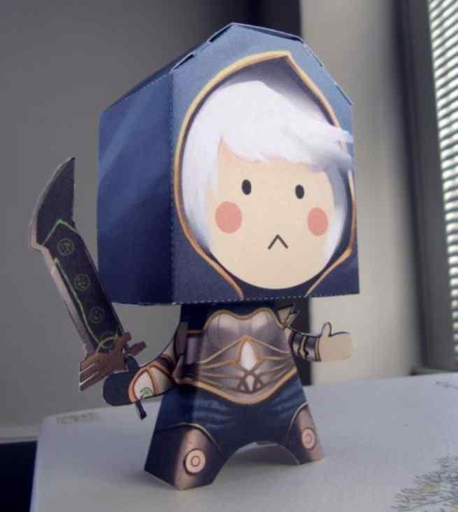 PAPERMAU: League Of Legends - Redeemed Riven Paper Toy - by Spencer Park
