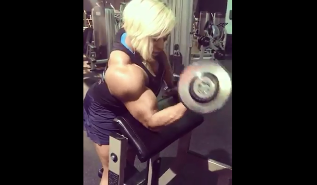 Clip Huge female muscle, Female Bodybuilder with huge calves