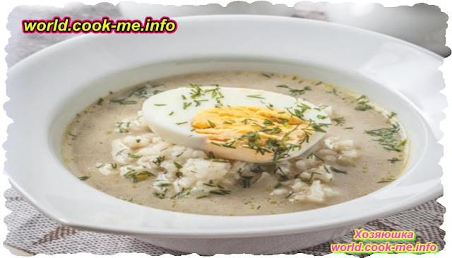 Ароматный рисовый суп с яйцом и сыром