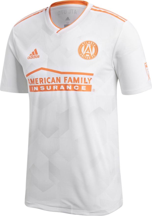 Adidas lança camisa reserva do Atlanta United para a MLS 2018 - Show ... 65a0dd316bb3b