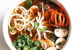 Detoxifying Broth Bowls with Veggie Noodles – Paleo, Gluten-Free