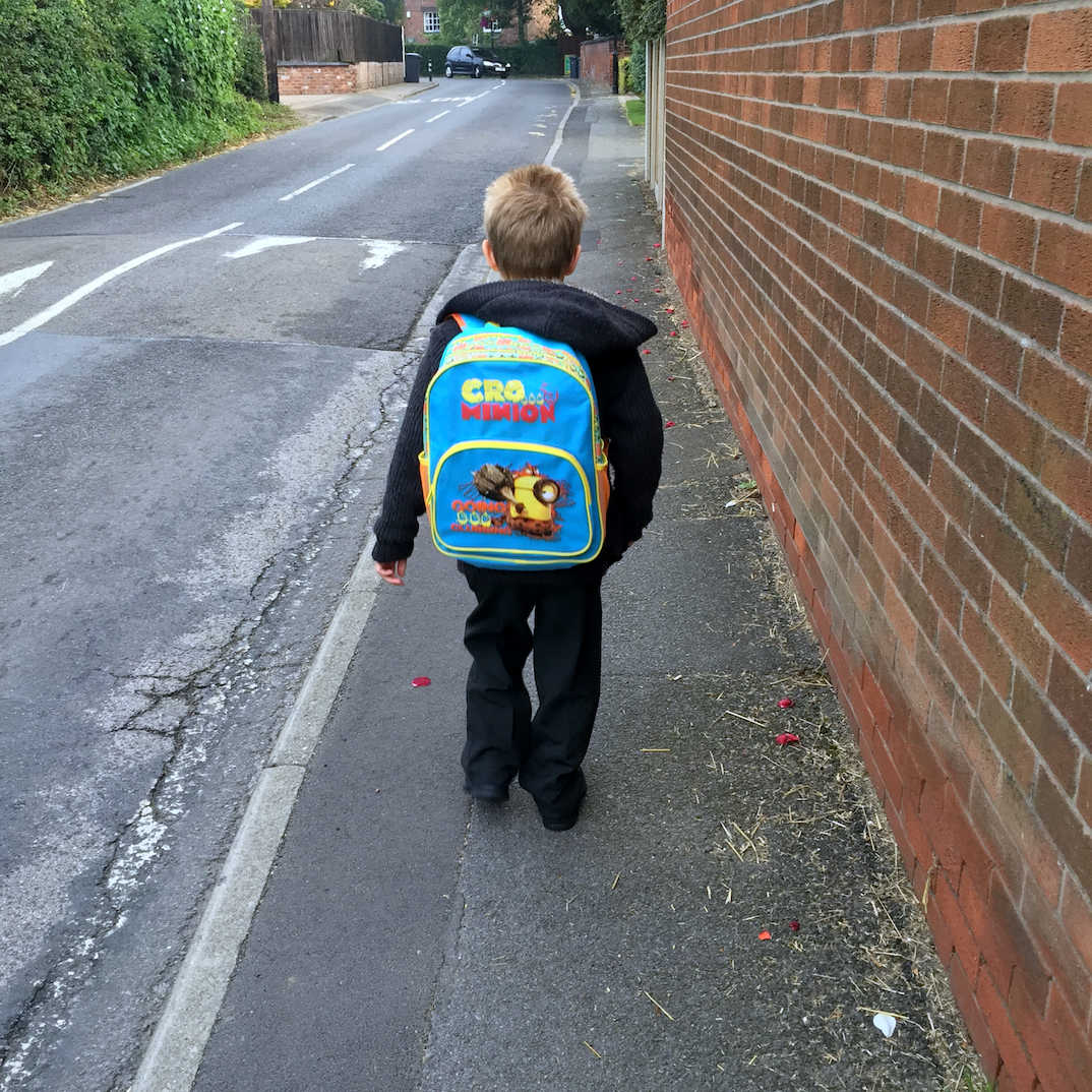 Why Mums Of School Aged Children Are So Tired | Walking LP to school.