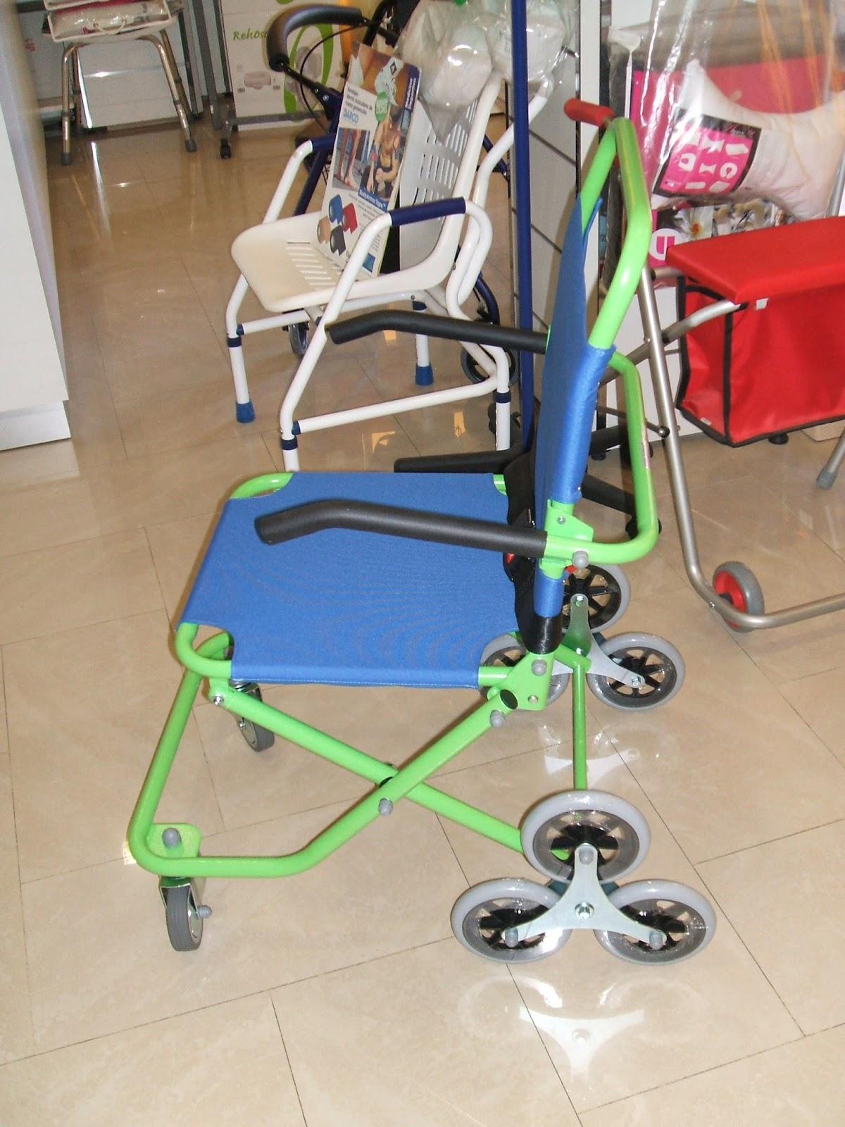 silla salvaescaleras manual con ruedas traseras triples