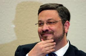 Defesa de Antonio Palocci reclama de não conseguir 'fugir' de Moro