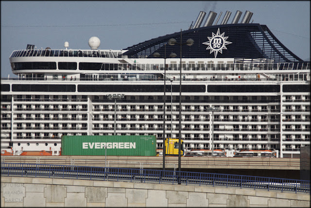 arriba-extraña,fotografia,valencia,trasatlantico,contenedor,valencia,puerto,transporte,energia,colapso