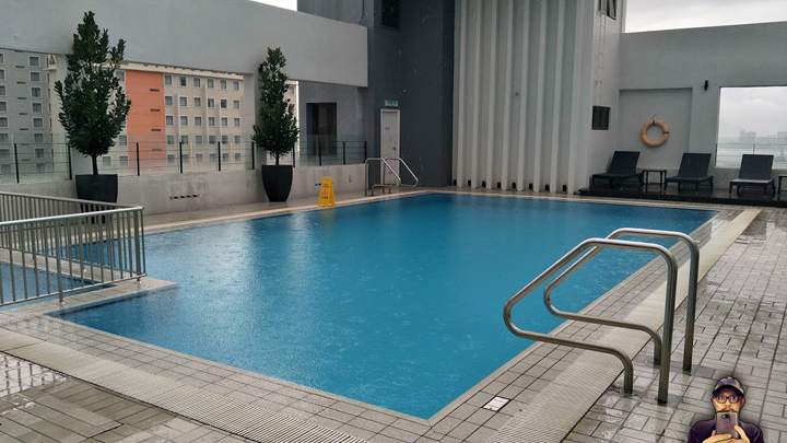 Swimming Pool Neo Plus Hotel Penang