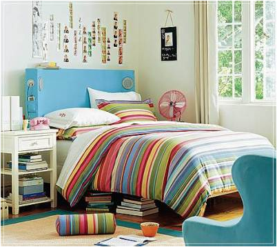 Not Pink and Beautiful Teen Girl Bedrooms | The Rooms ... on Beautiful Teenage Bedrooms  id=23033