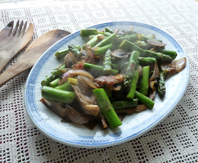 Asparagus with Onions & Mushrooms