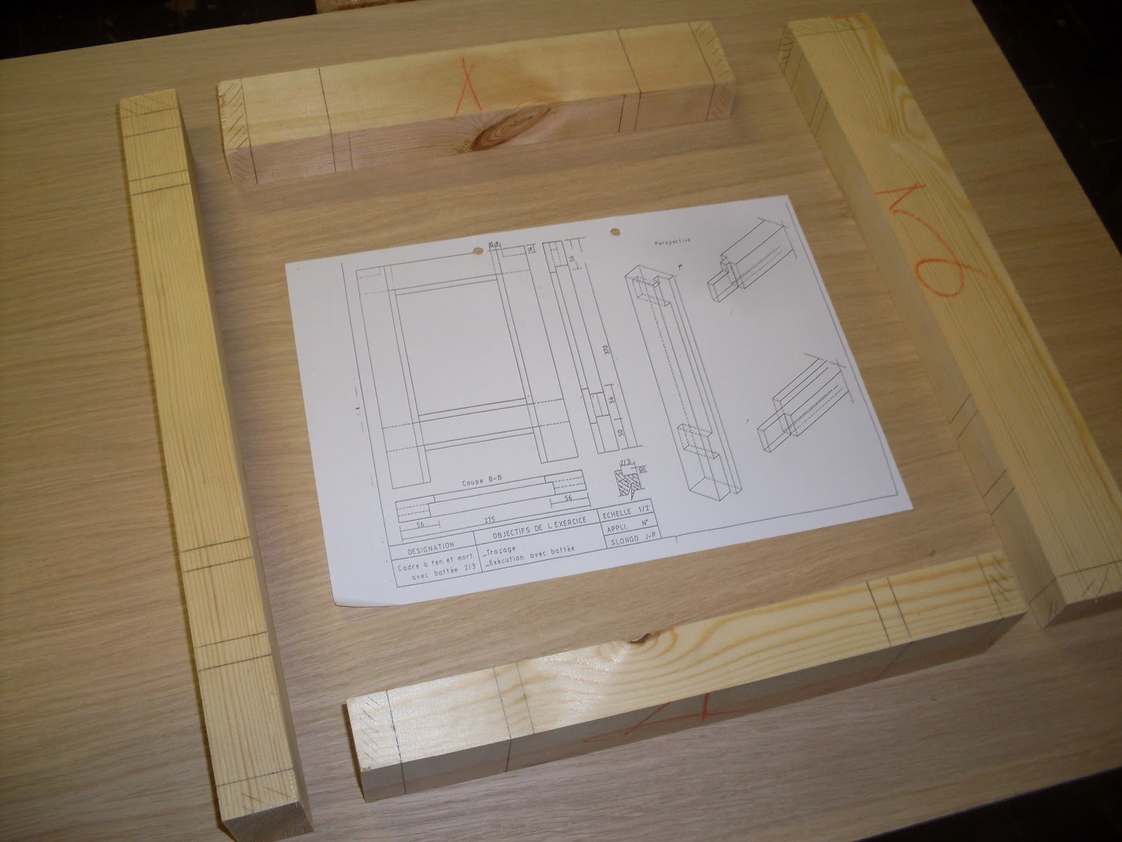 menuiserie assemblage avec batt e 2 3. Black Bedroom Furniture Sets. Home Design Ideas