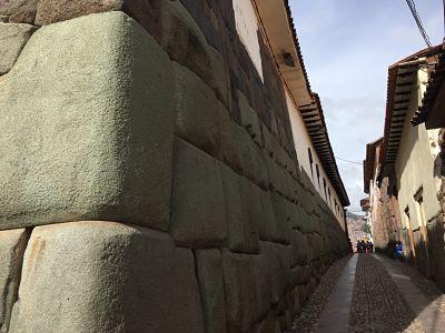 muro donde está la piedra de los 12 ángulos. cuzco. perú