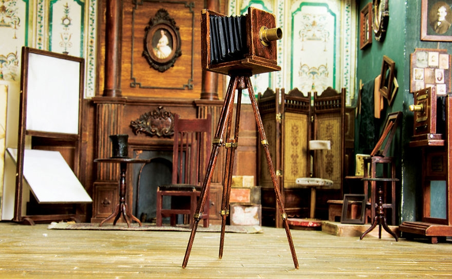 07-Ali-Alamedy-Miniature-Photo-Studio-Building-from-the-1900s-www-designstack-co