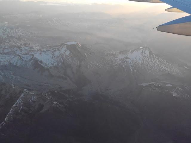 Volcán Descabezado Grande (izquierda) y volcán Quizapú