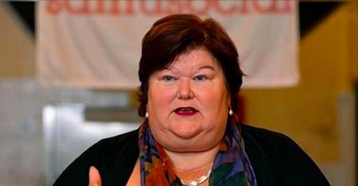 Aujourd'hui, une pétition circule réclamant la démission de la ministre de la santé