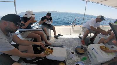 www.pescaturismomallorca.com Disfruta del auténtico arroz marinero en las excursiones de Pescaturismo