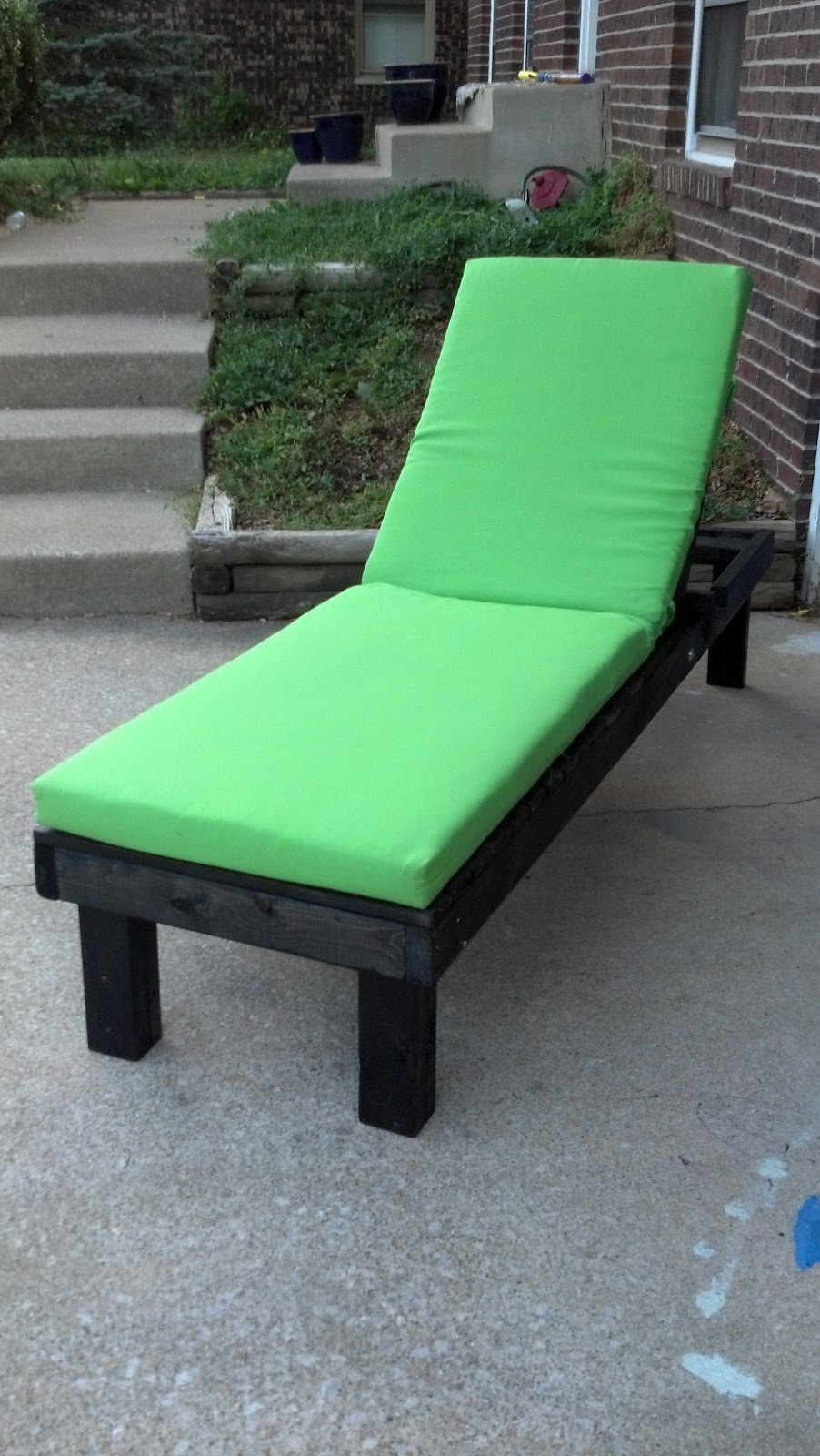 This DIY House: Easy DIY Outdoor Lounge Chairs & Pinterest ...