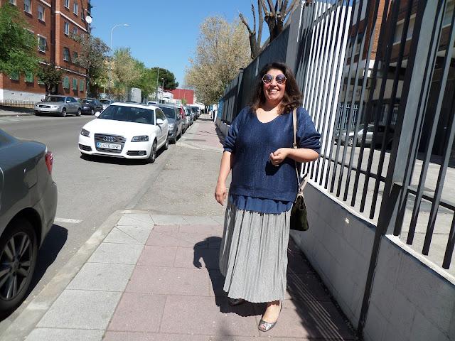 Falda plisada con brillos