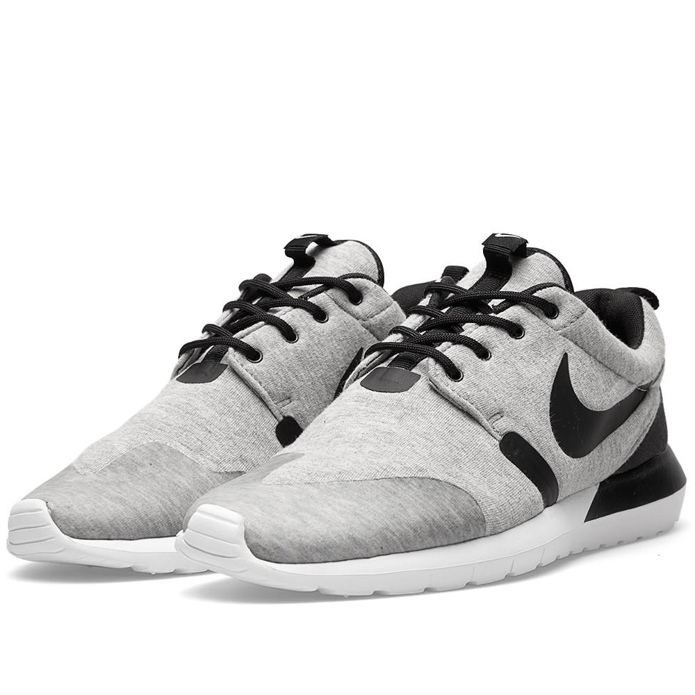 big sale 8c26b 47e96 Nike Rosherun NM W SP. Fleece. Grey Heather Ore, White, Black. 652804-019