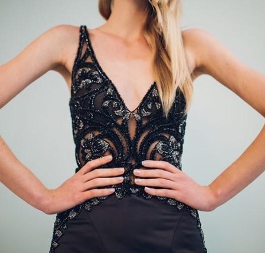 vestido de festa preto bordado