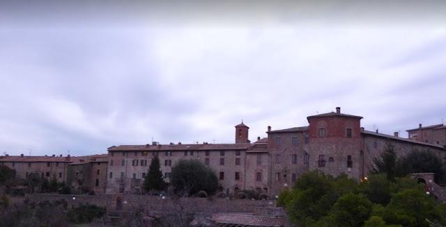 Borgo di Paciano